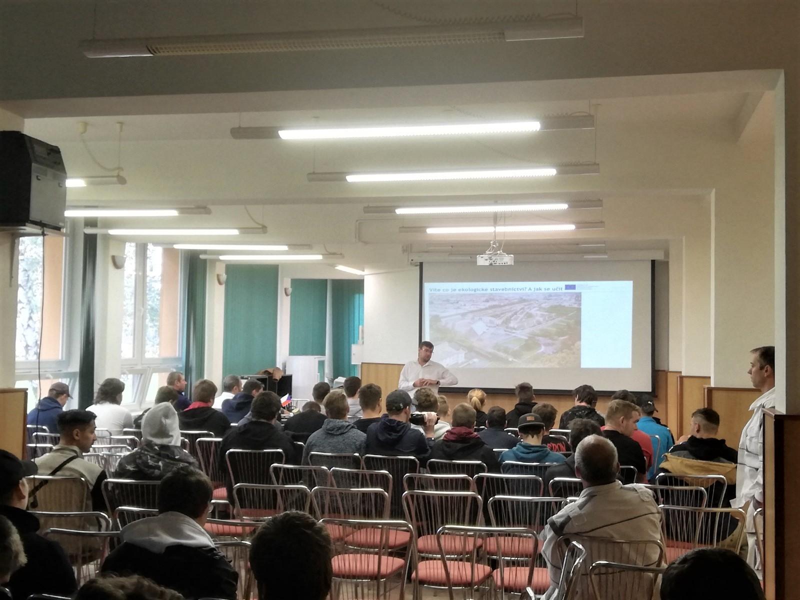 Semináře propagující stavební a dřevozpracující obory a architekturu